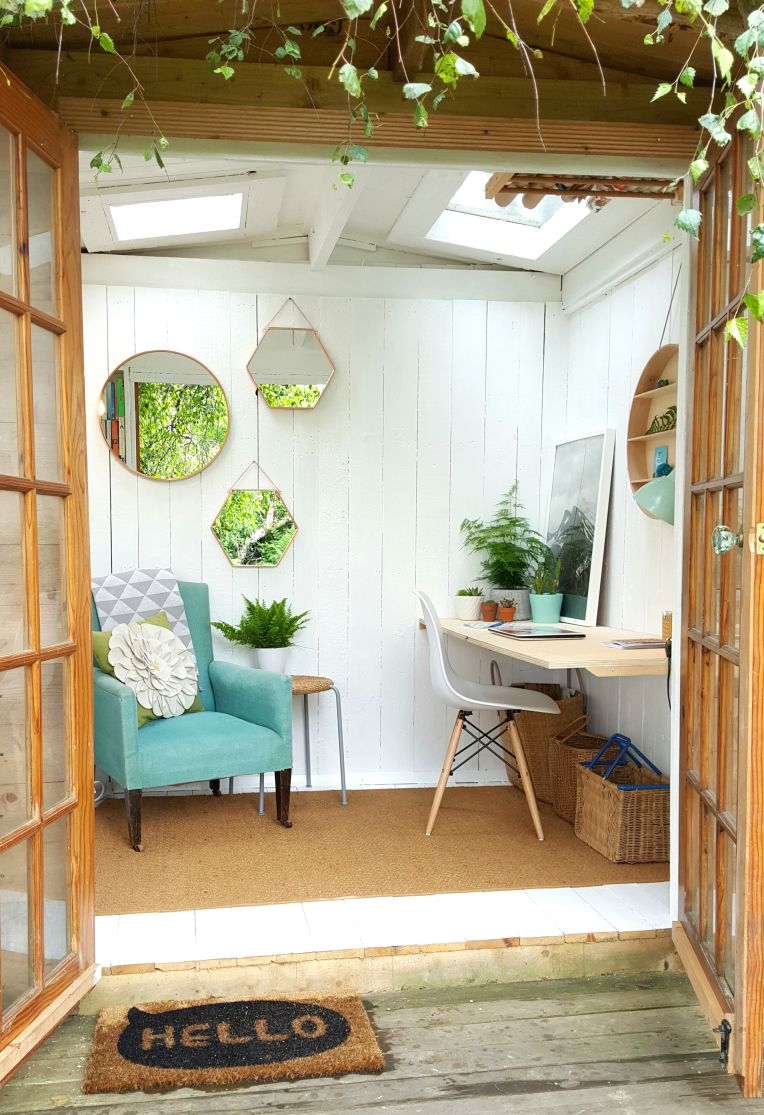 She shed garden room heaven heavens gardens and room for Shed office interior