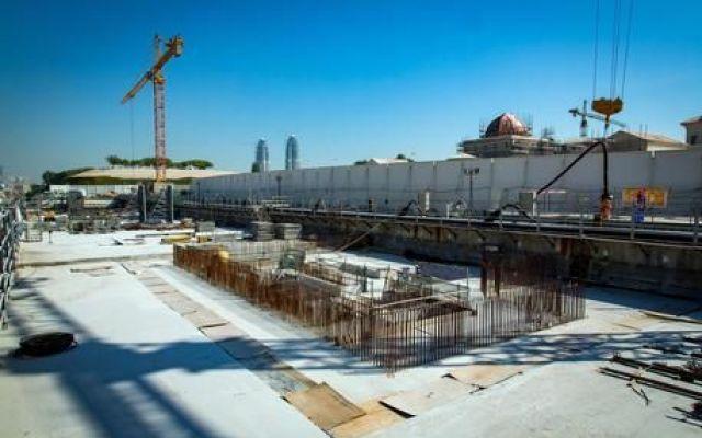 Qatar, la metro per i mondiali è italiana I mondiali del Qatar si muoveranno con un'opera made in Italy. E' la metropolitana firmata dal gruppo Salini, in via di completamento a Doha. I tifosi si sposteranno nei tunnel oggi scavati da una ma #salini #pietrosalini #doha