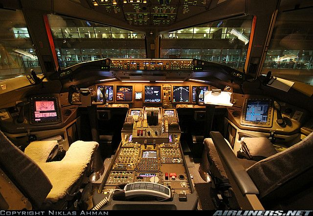 Boeing er aircraft picture also flightdecks pinterest rh