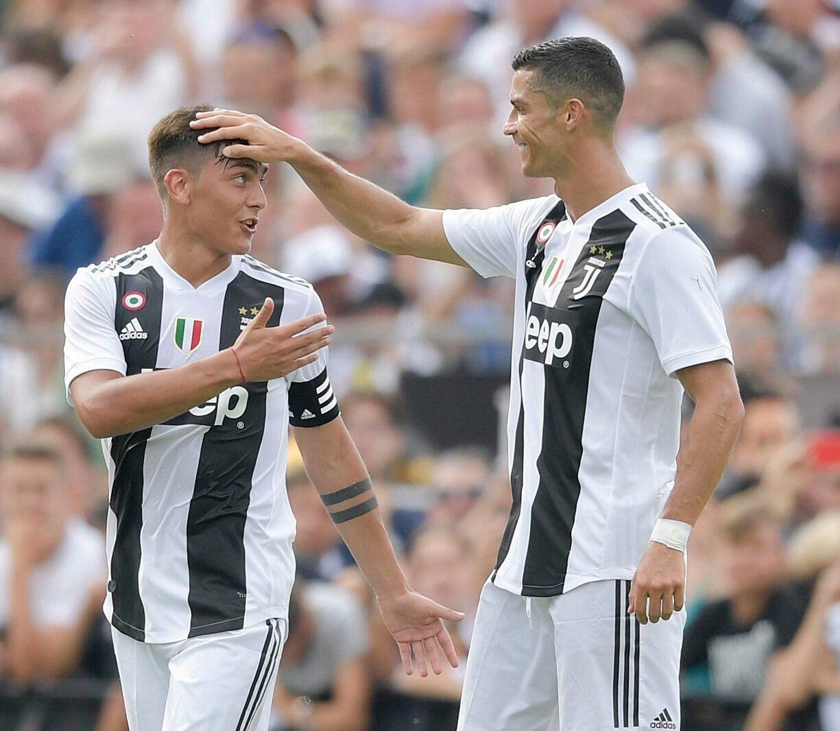 Dybala Juventus Cr7 Awww I Love This Pic Cytiedybala