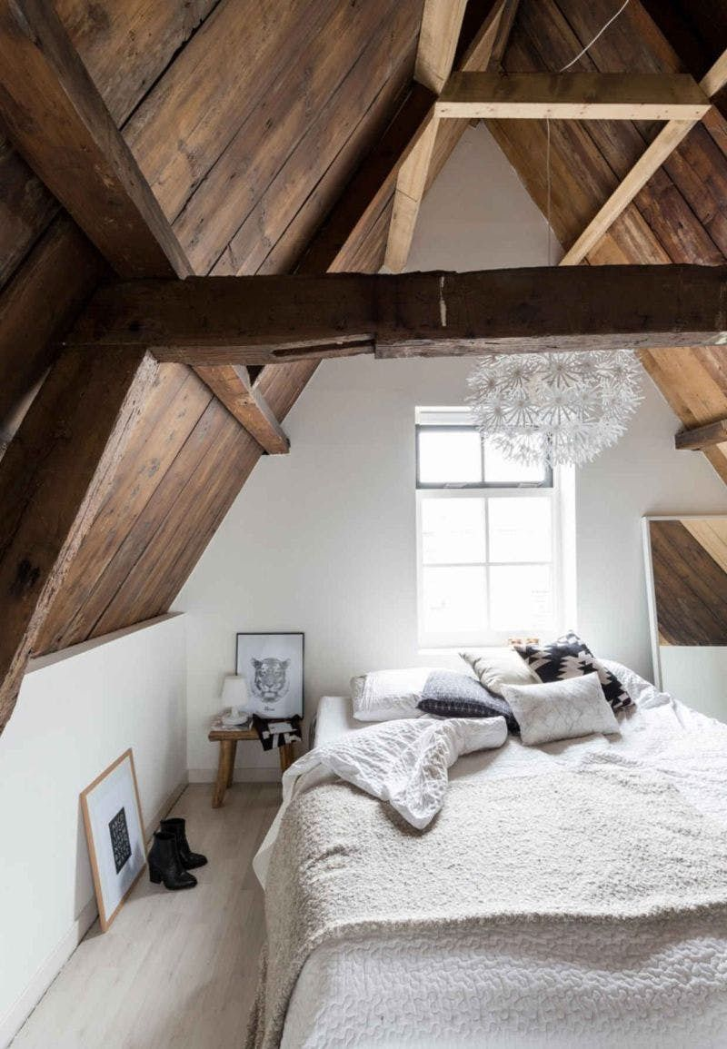 12 Completely Un Cheesy Ways To Create A Romantic Bedroom Home