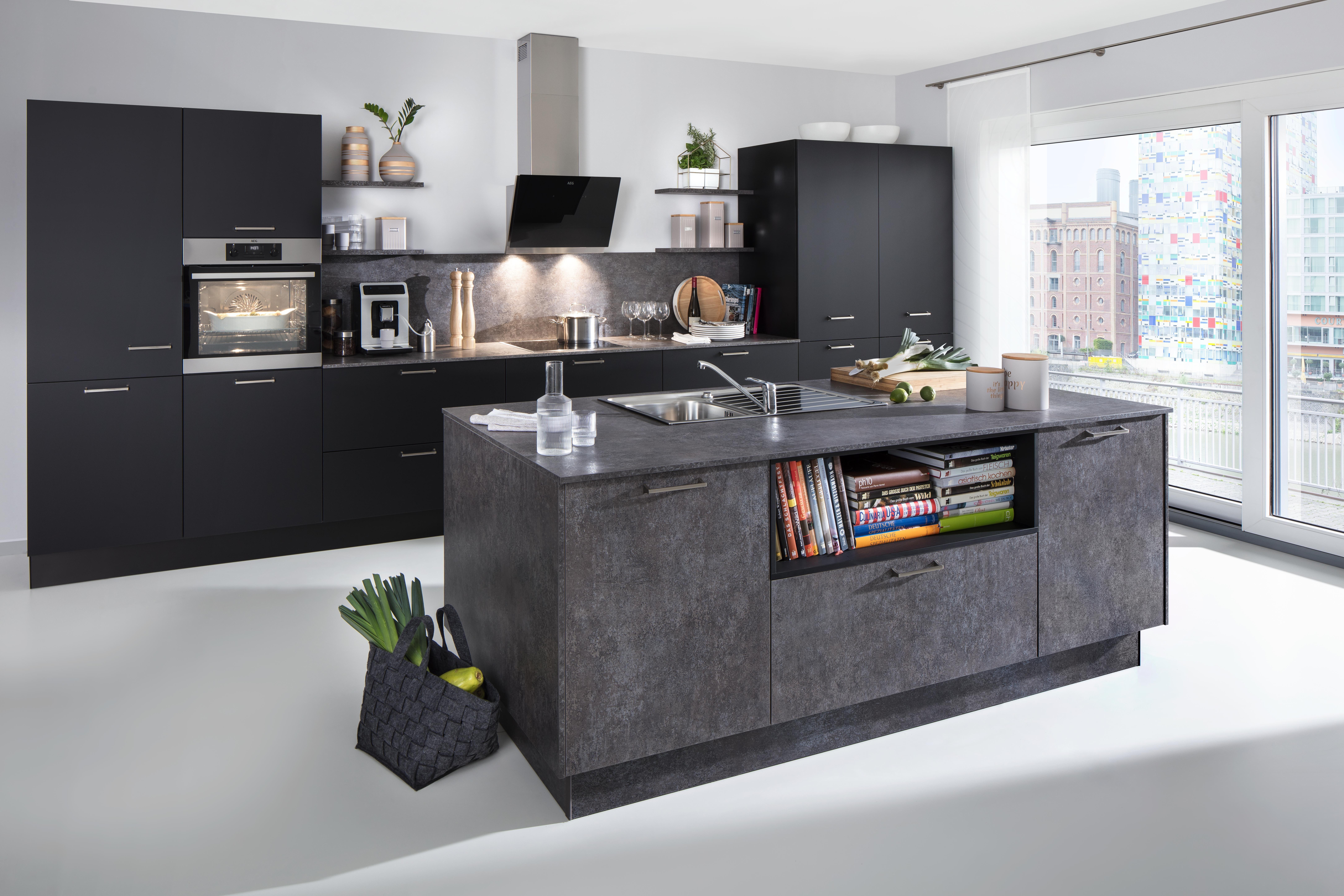 Graue Design Kuche In Betonoptik Mit Kochinsel Kuchen Design Kuche Umgestalten Kuchendesign