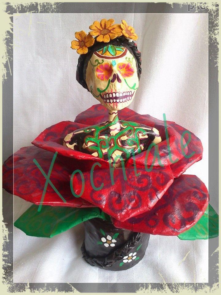 catrina de Frida khalo, tecnica de pape mache