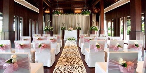 A bali wedding in the rain blogs indoor wedding decoration a bali wedding in the rain blogs indoor wedding decoration ideas the knot junglespirit Images