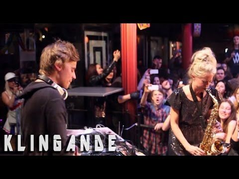 Live sax movie