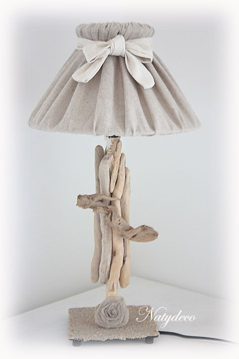 lampe en bois flotté NATYDECO en vente sur http://www.natydecocorse.com
