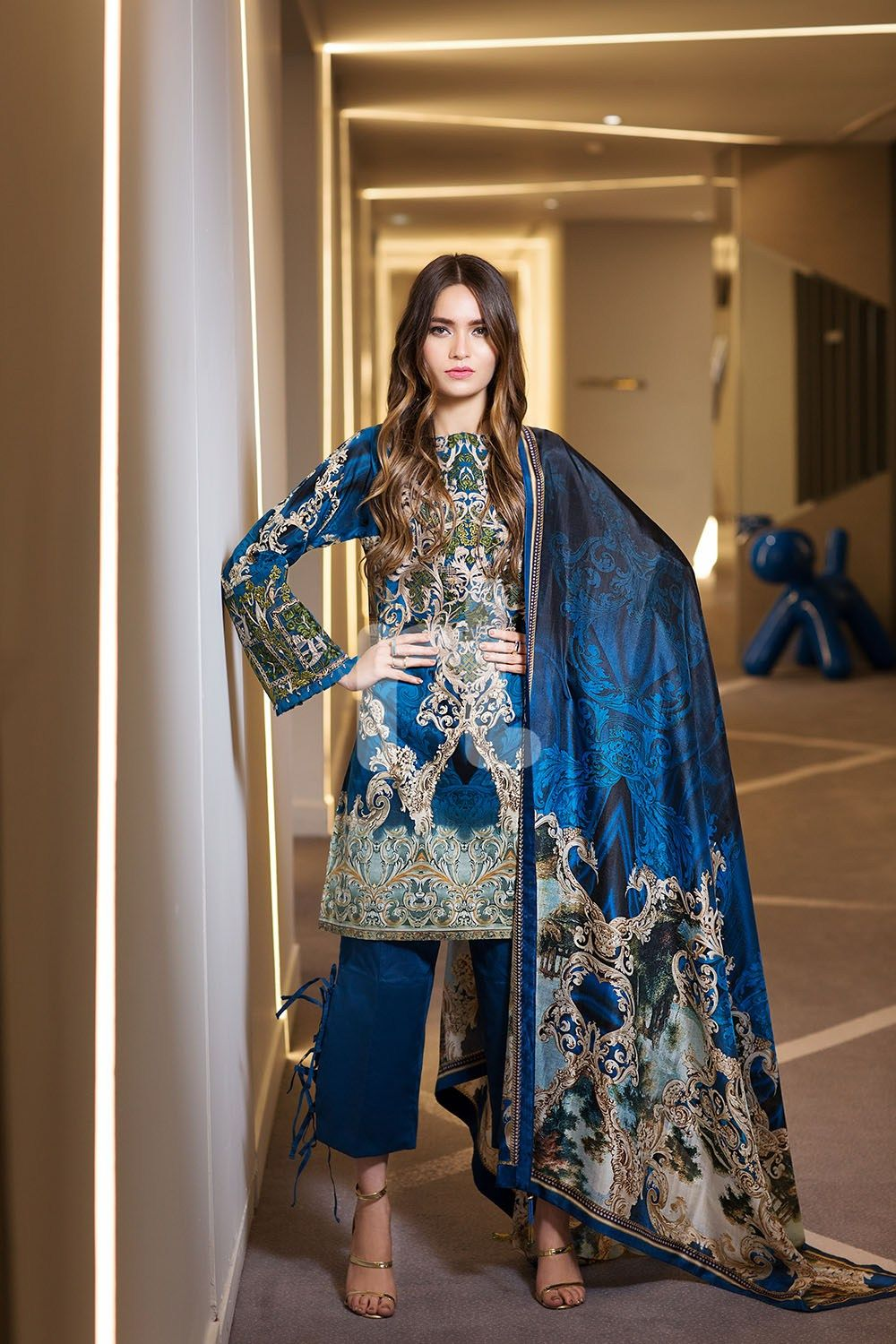 5056367661 Bold and classy blue colored three piece unstitched lawn dress by Nishat  Linen embroidered clothes 2018