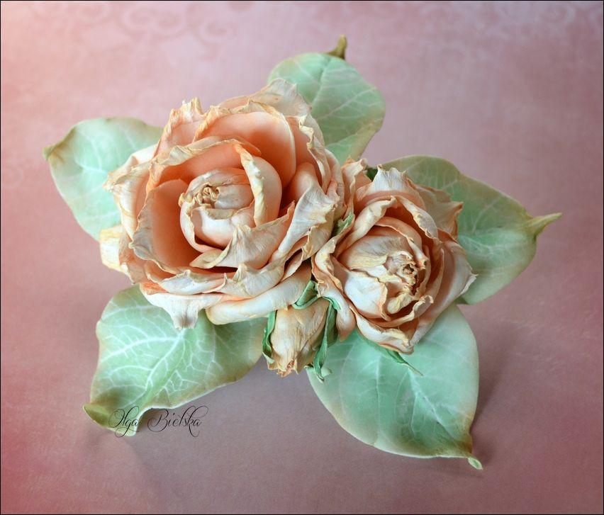Broszka Kwiaty Wykonalam Z Foamiranu Jedwabnego Foam Flowers Flower Making Flowers