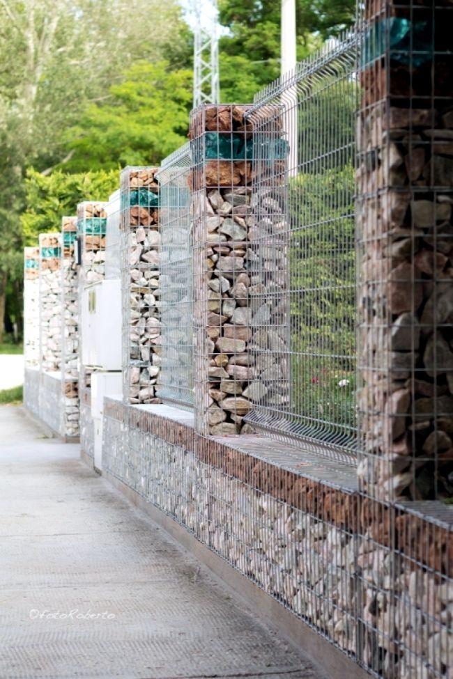 Resultado de imagen de gabion and wood fence MATERIALES
