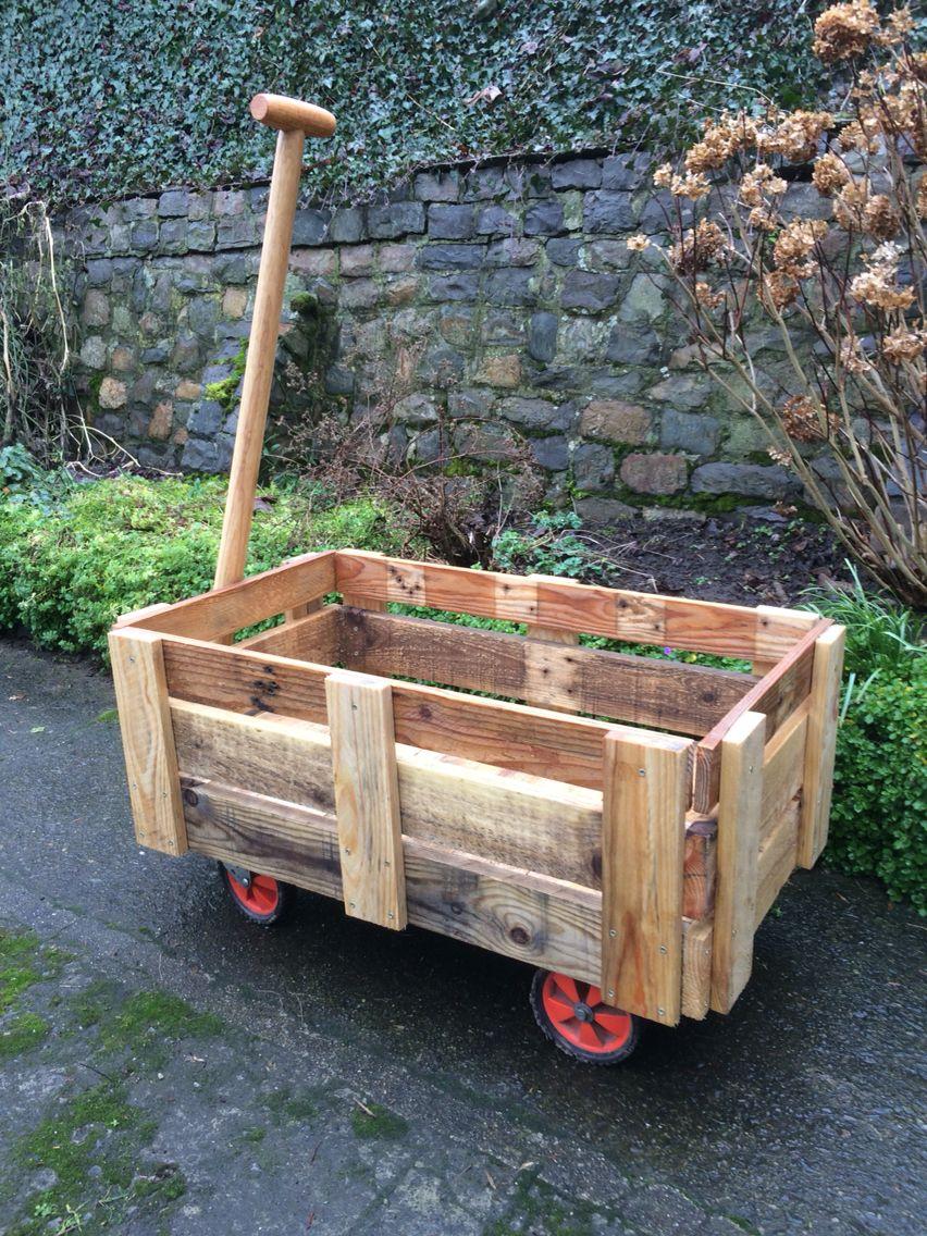 chariot en bois de palettes nasreddine chati pinterest palette en bois et bois. Black Bedroom Furniture Sets. Home Design Ideas