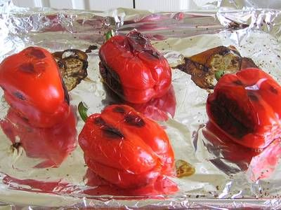 How to Make Roasted Peppers in Oil.  When grilling, set the heat at medium-high. Place the peppers directly on greased grates and continue cooking as for baking.  #summer #southern #barbecues #picnics