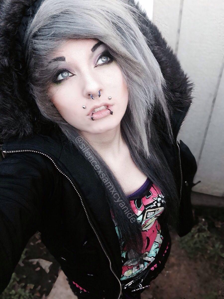 Scene girl with silver hair silencexsamxcyanide follow on Instagram