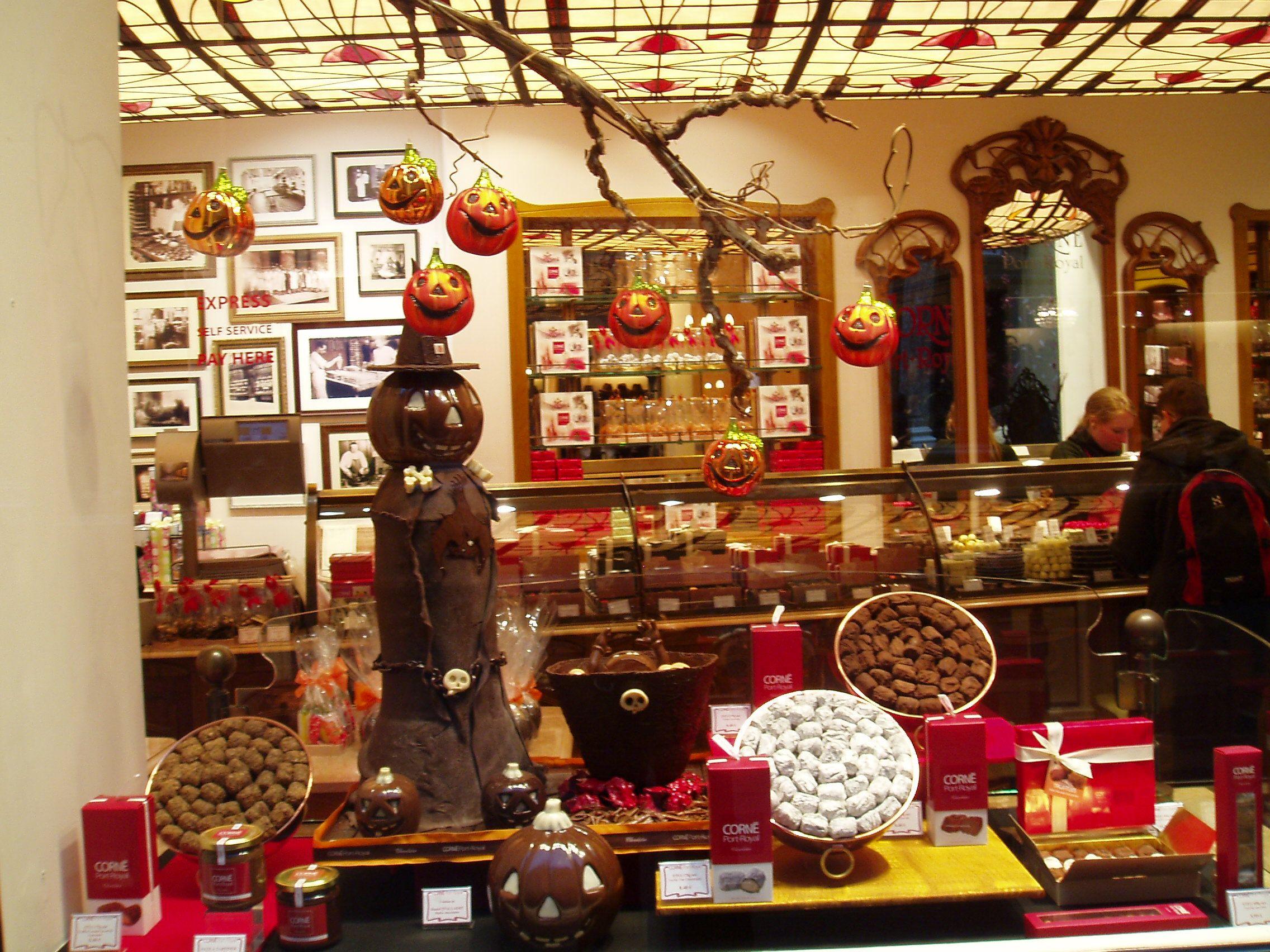 Chocolate Shop   Chocolate Everything   Pinterest   Chocolate shop ...