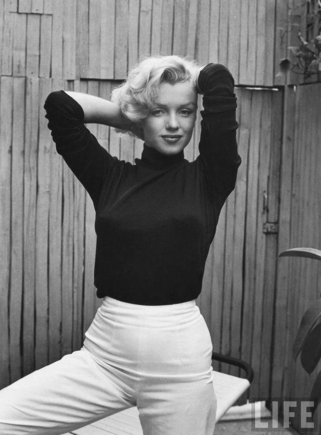 Shooting Film: Wonderful Portraits Of Marilyn Monroe At Home In Hollywood  By Alfred Eisenstaedt, 1953 | MM | Pinterest
