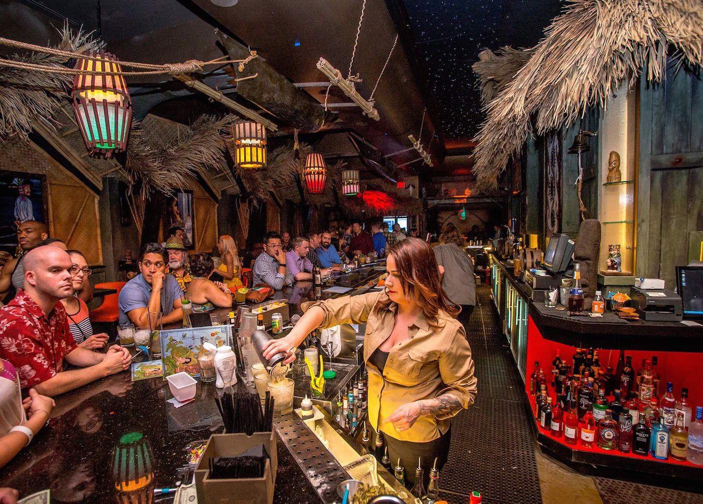 Vegas strip club features