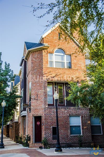 Manchester State Thomas Uptown Dallas Apartments Dallas Apartment Garage Prices House Styles