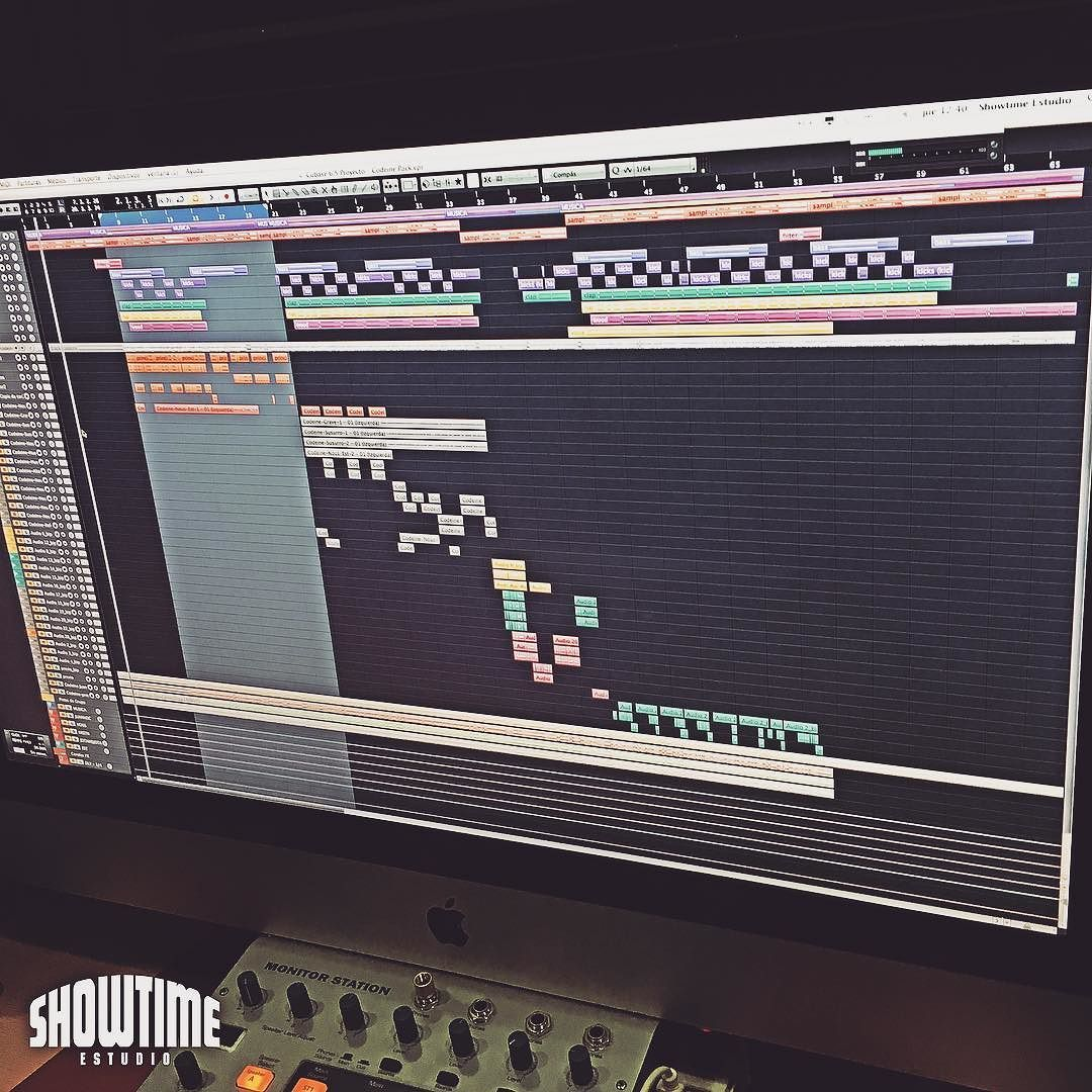 Nous Nizzy x Jotandjota x Juanhoc x Krstn  [Contacta con el estudio para grabar mezclar y masterizar tu proyecto en hola@ShowtimeEstudio.com o a través de la web]. #nousnizzy #jotandjota #juanhoc #krstn #mezcla #trap #rnb #showtimeestudio #estudio #musica #malaga #bighozone