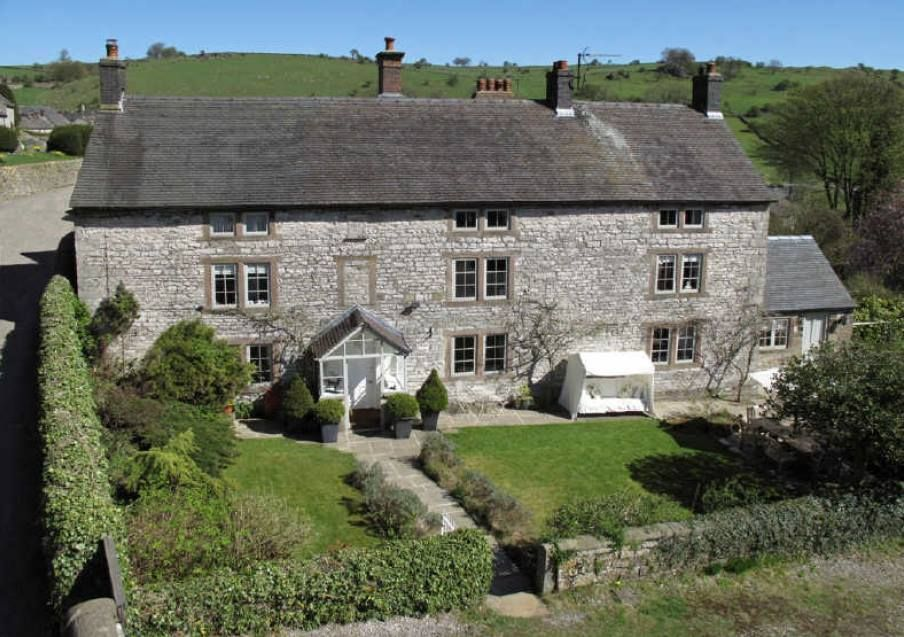 Https Www Aroundaboutbritain Co Uk The Manor House Luxury Bed Breakfast Brassington Matlock Derbyshire The Pea Cottage Bed And Breakfast House Exterior
