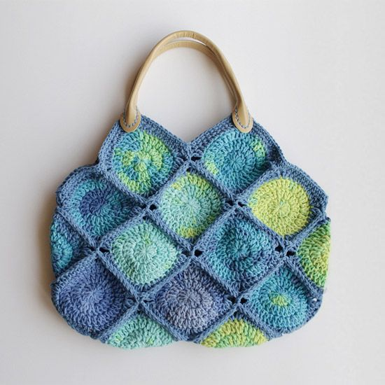 FREE!! Crochet yourself a little cute bag. wowee freebie : thanks so ...
