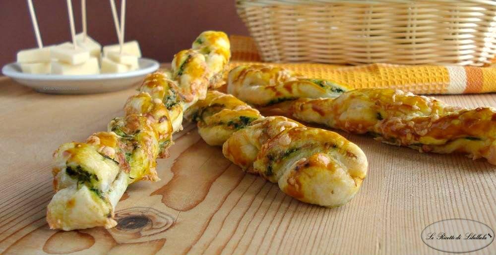 Grissini di sfoglia ripieni formaggio ricetta e antipasti for Antipasti ricette italiane