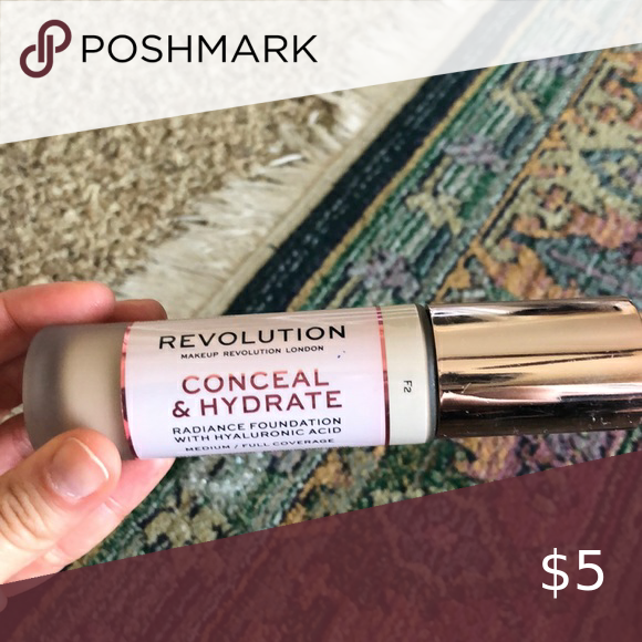 Conceal and hydrate makeup revolution in F2 Used just a