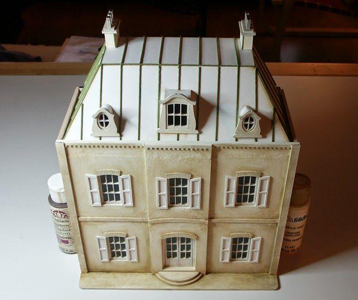 Nukkekoteja ja käsintehtyjä miniatyyrejä käsittelevä blogi.