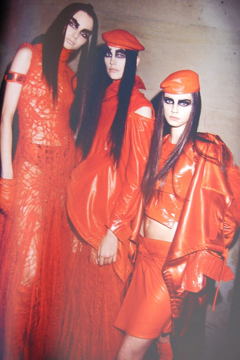 christian dior haute couture autumn/winter 1999, backstage