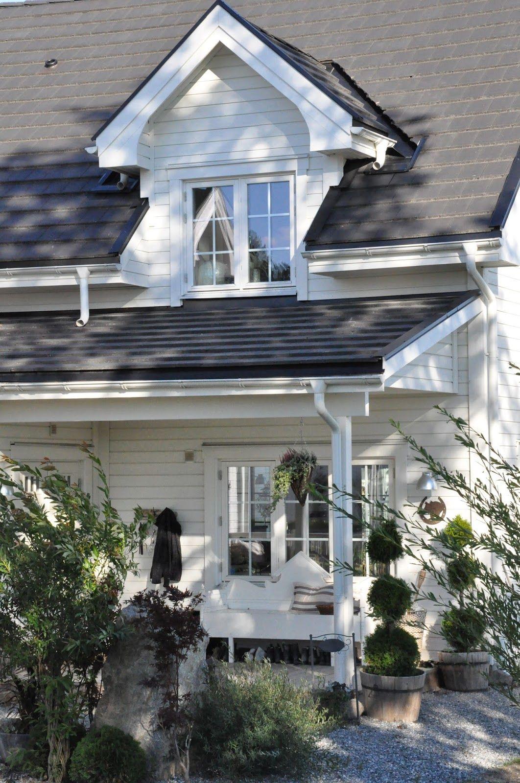 Den Vita Drömgården: Vårt New England inspirerade hus med stall ...