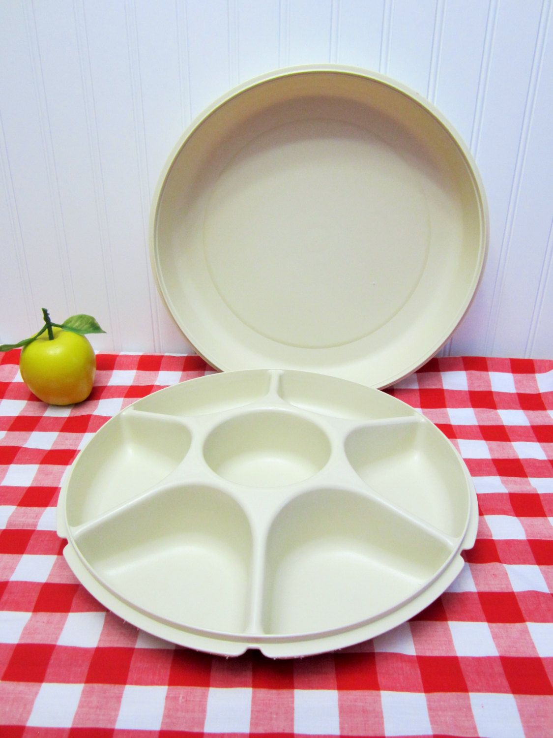 Retro 2 Piece Large Plastic Tupperware Vegetable Dip Snack Serving Tray  Storage Keeper/Storage Container