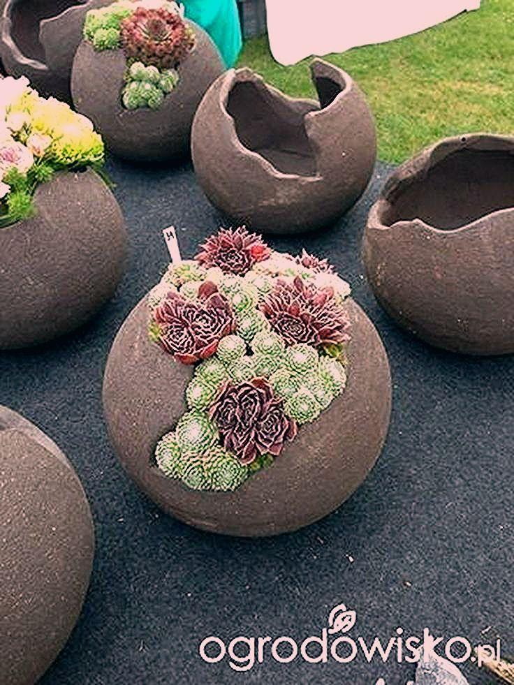 Photo of Eines unserer Vorgarten-Designs ist modernes, zeitgemäßes Kunstgras – Garten