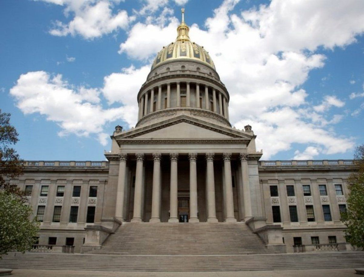 50 Nifty United States Capitols