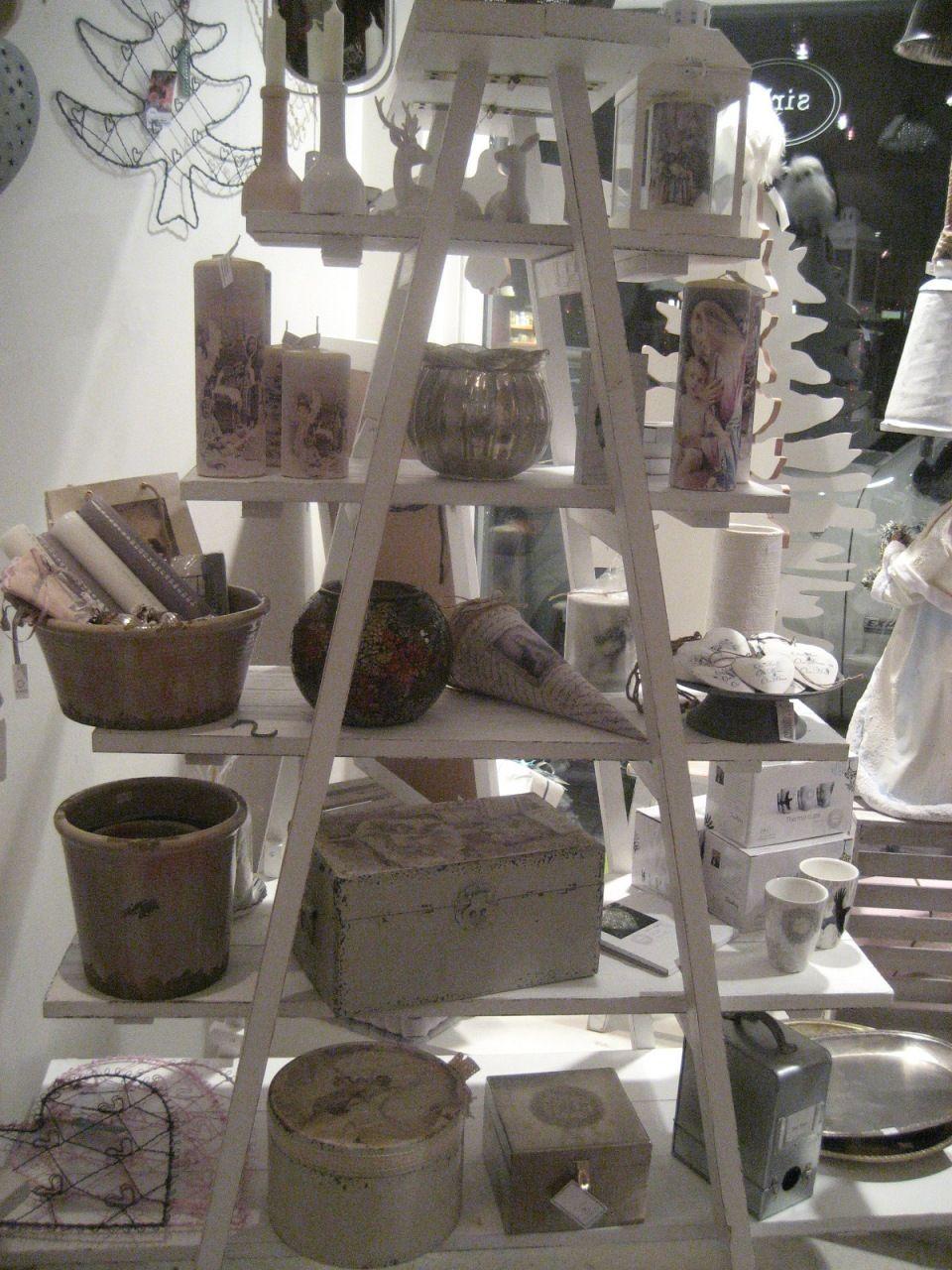 Like this shelf a loot!