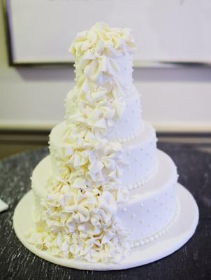 Cakes & Desserts - MODwedding