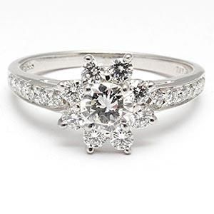 Gorgeous... I think this is my dream ring! Tiffany & Co Flower Diamond Engagement Ring Solid 950 Platinum