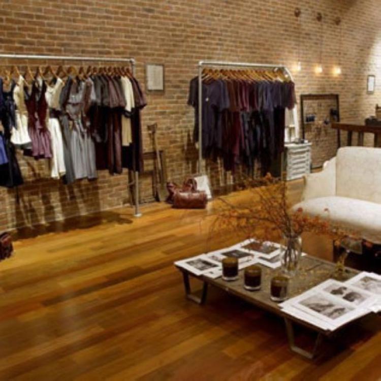 Simple Clothes Rack Design Ideas With Images Boutique Interior