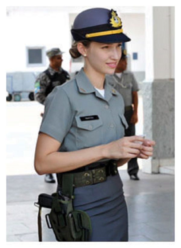 Marinha Do Brasil Tenente Sofia E A Que Tem Experiencia Na