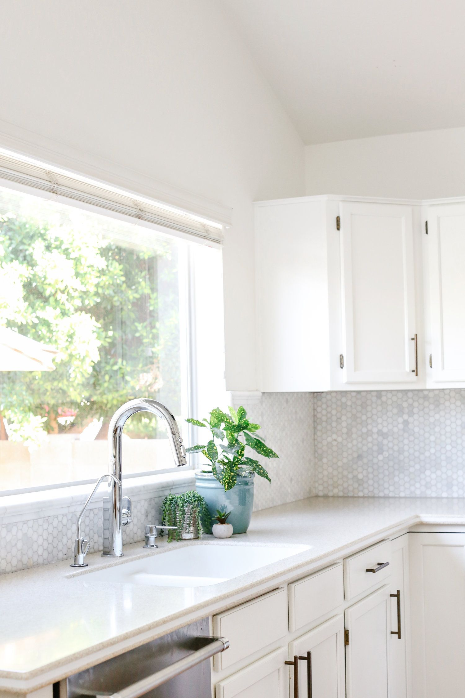 one smart kitchen faucet ave styles