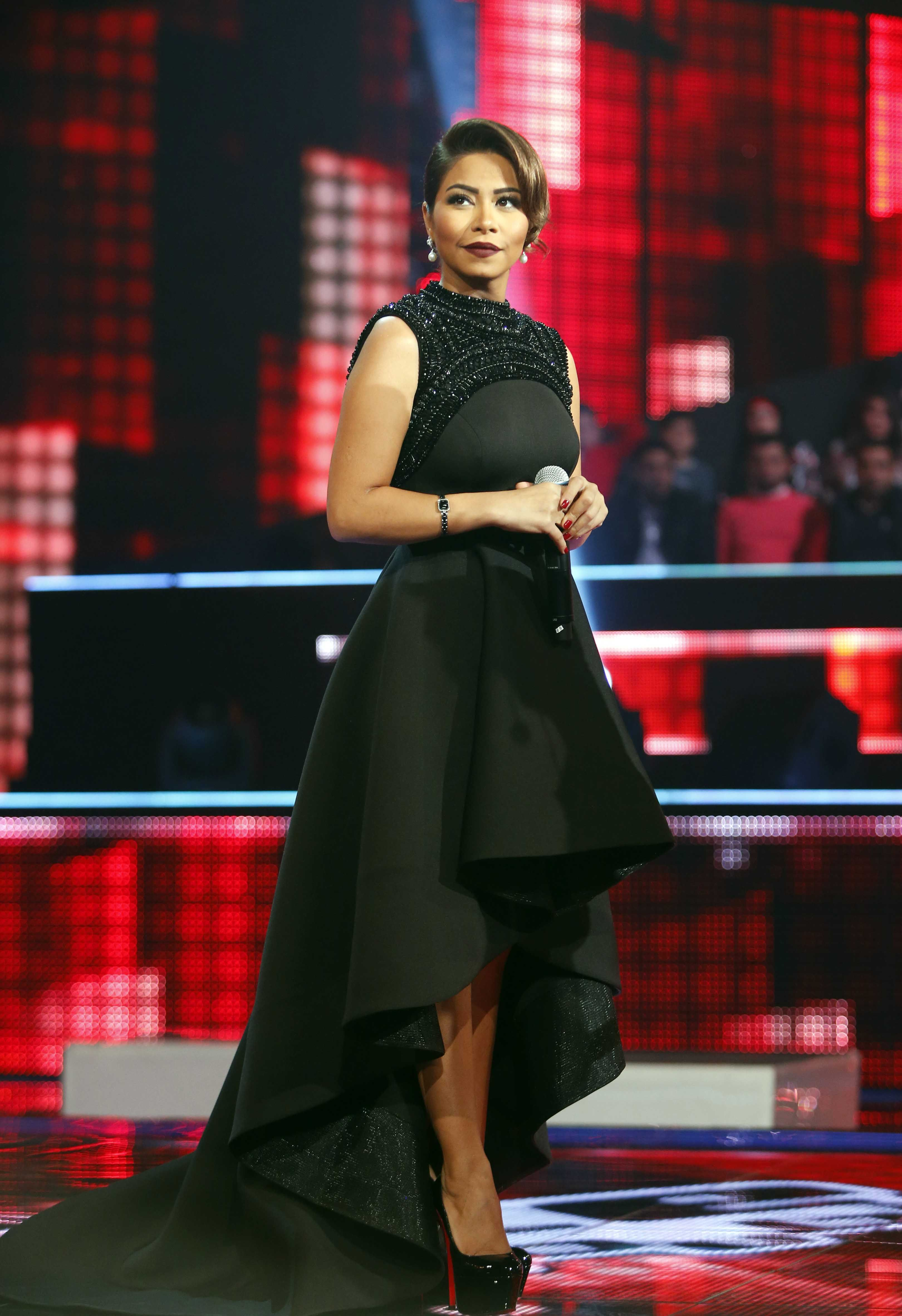 شيرين عبد الوهاب تتأل ق في فستان من توقيع مصم م كويتي Fashion