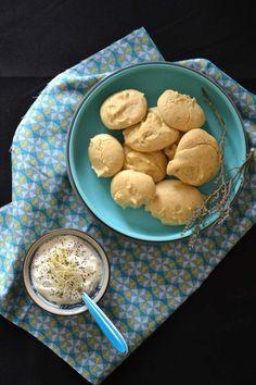 Biscuits aux pois chiches, pavot et aux herbes aromatiques { Sans gluten }
