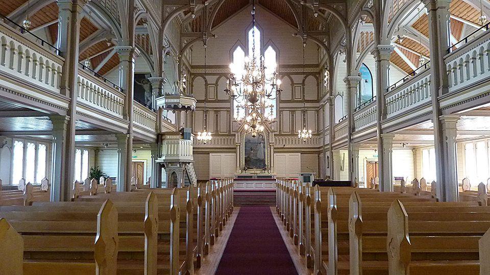 Kajaanin kirkon käytävä