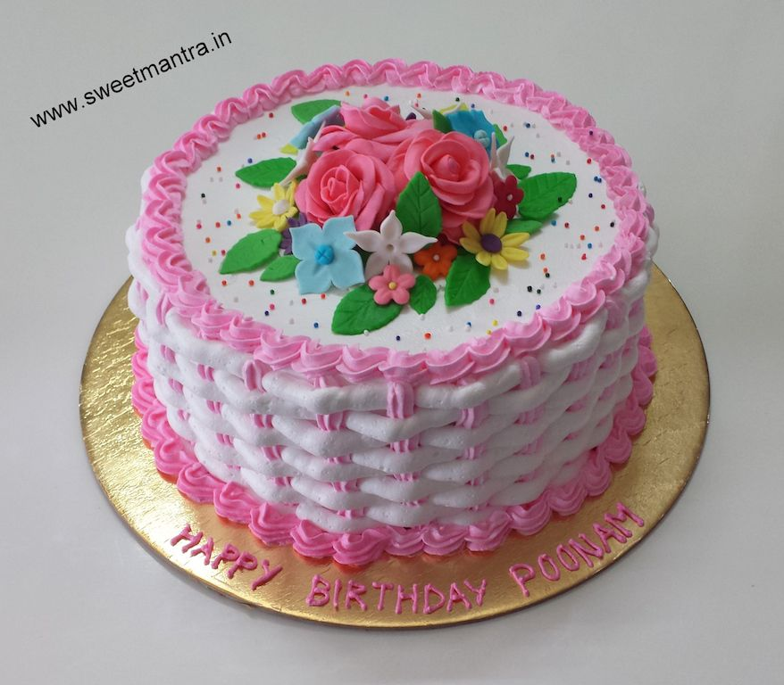 Love Flowers Theme Small Designer Basket Weave Fresh Cream Cake With Bouquet For Wifes Birthday At Baner Pune