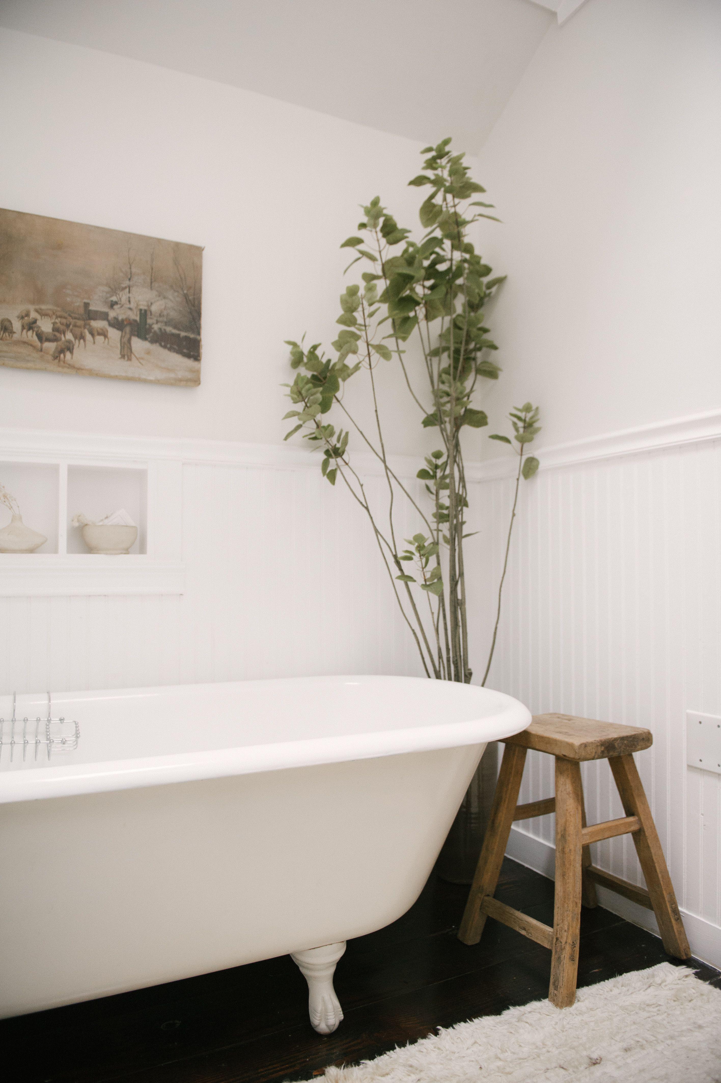 An Interior Designer S Keys To Balance Budgets Inspiration Rip Tan Bathroom Design Inspiration Best Bathroom Designs Bathroom Farmhouse Style