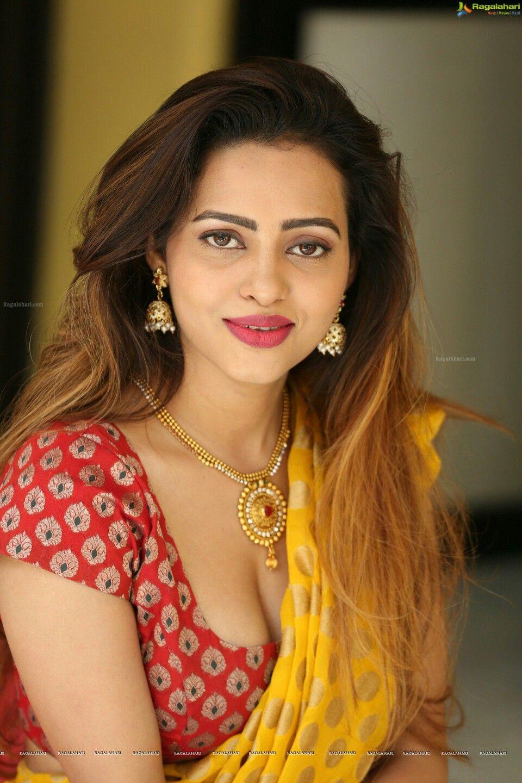 Pin By Y Bhaskara On Aunties  Beauty Girl, Beautiful -5003