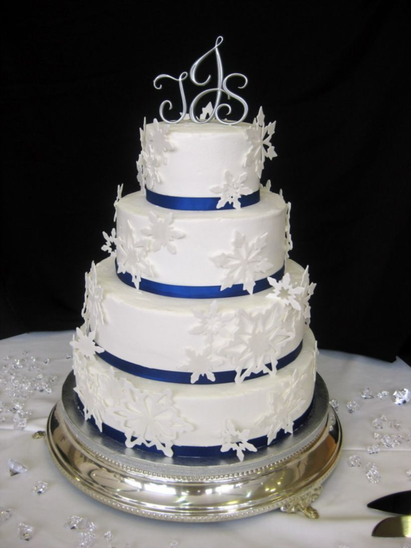 59 Romantic Winter Wedding Cakes Ideas with Snowflakes | Winter ...