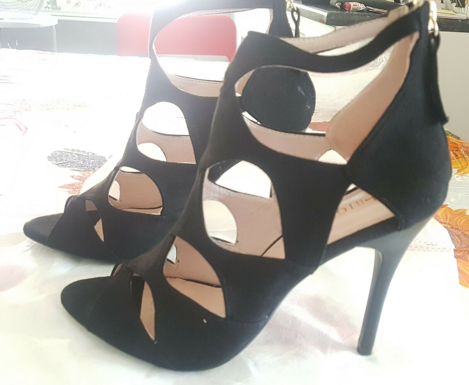 Favolose scarpe nuove con tacco alto n. 38 nere mai