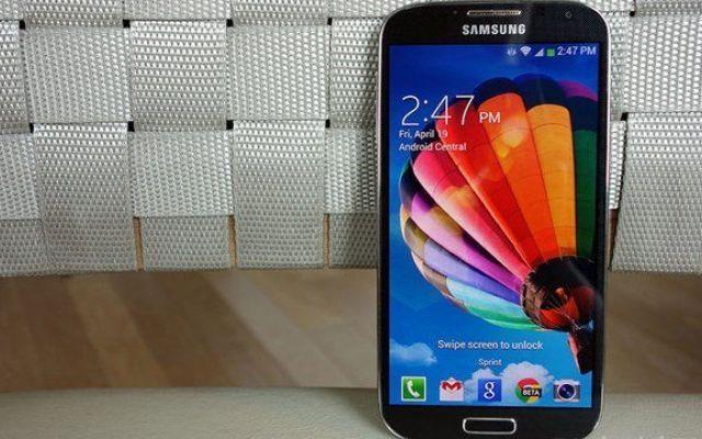 Un Samsung Galaxy S4 esplode in Texas: Samsung si discolpa dal caso #samsunggalaxys4 #esplosione #fuoco