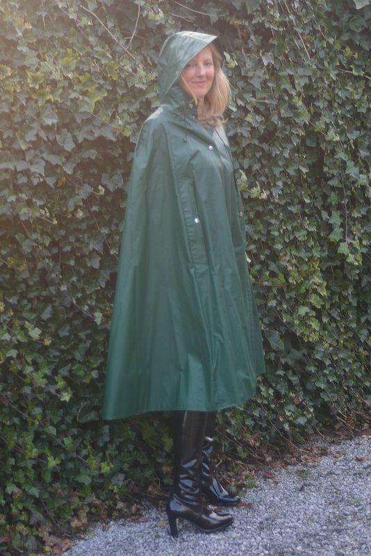 Pin by Viridian on Raincoat in 2020 | Rain wear, Pvc