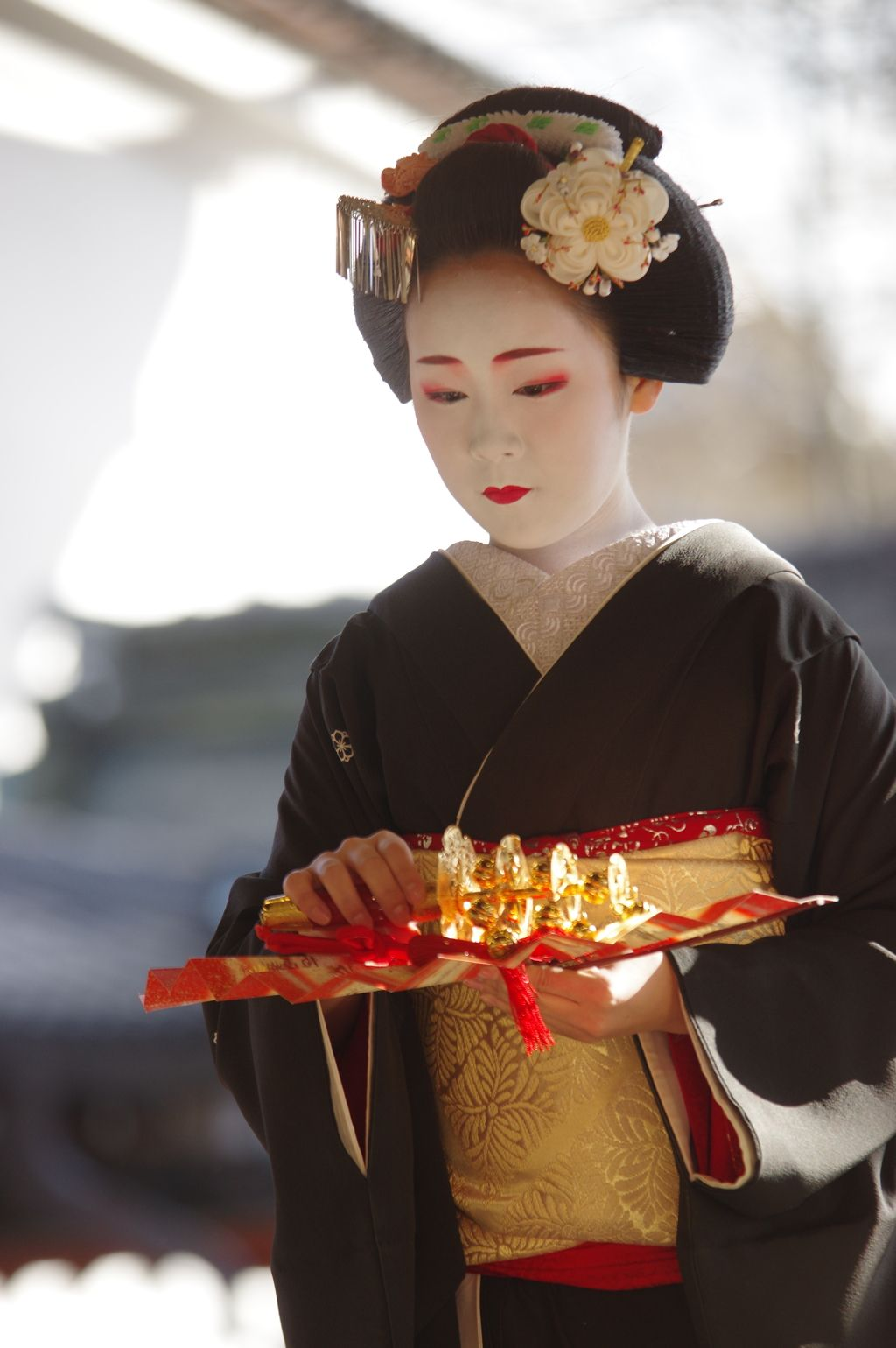Oiran & Geisha | Setsubun 2016 with… The maiko Koyoshi. (Source)