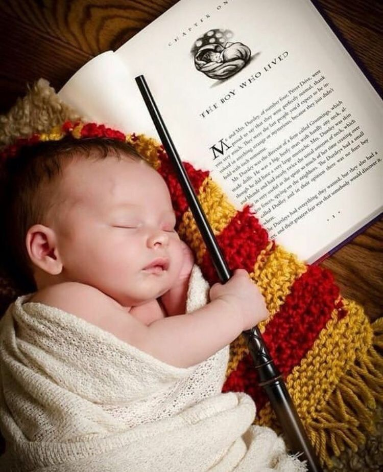 Pin By Mazzuchimakeup On Gryffinpuff Harry Potter Baby Photographing Toddlers Harry Potter Nursery