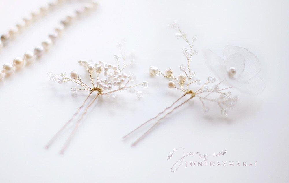 Perle e seta da sposa forcine, Grace_022 a mano in Italia di JonidaSmakaj su Etsy https://www.etsy.com/it/listing/211322865/perle-e-seta-da-sposa-forcine-grace022-a